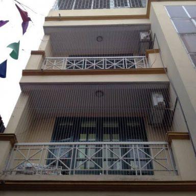 Lưới an toàn ban công nhà cao tầng đẹp