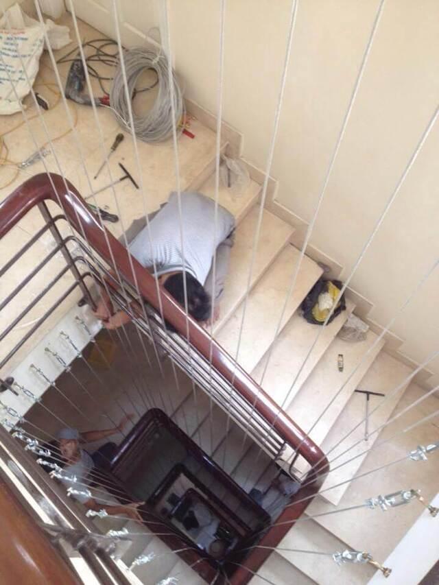Cách thi công lưới chắn bảo vệ cầu thang