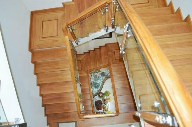 Cầu thang 1 chiếu nghỉ, 2 chiếu