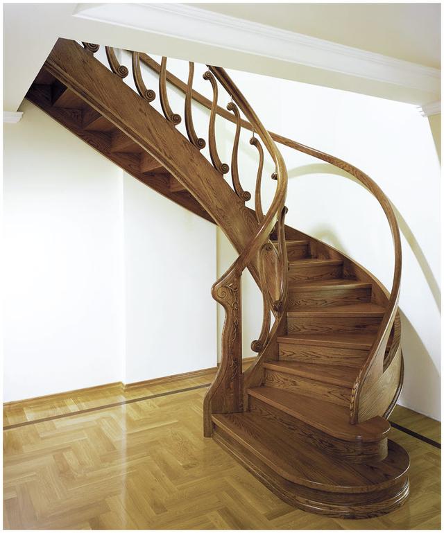 cầu thang gỗ đẹp 12