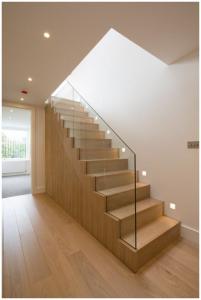 Tổng hợp các mẫu cầu thang gỗ đẹp cho nhà ống hiện đại